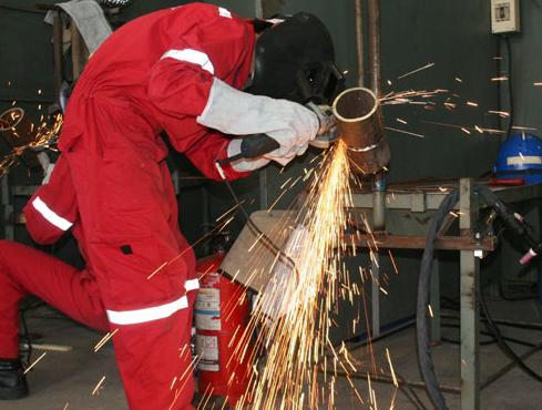Bảo hộ lao động giá rẻ cho thợ hàn, công nhân và dân sinh