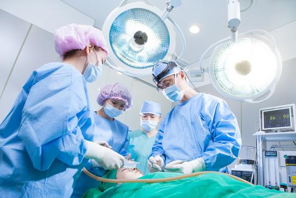 Bảo hộ lao động trong ngành y gồm những gì ?
