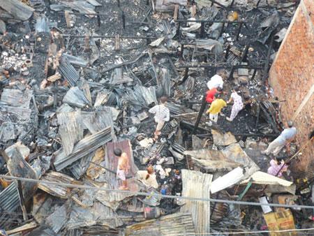 Cháy dữ dội ở Châu Đốc, 12 căn nhà ra tro