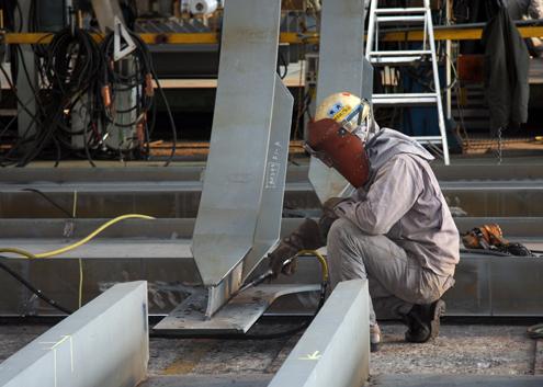 Tai nạn lao động tăng do sử dụng máy móc lạc hậu